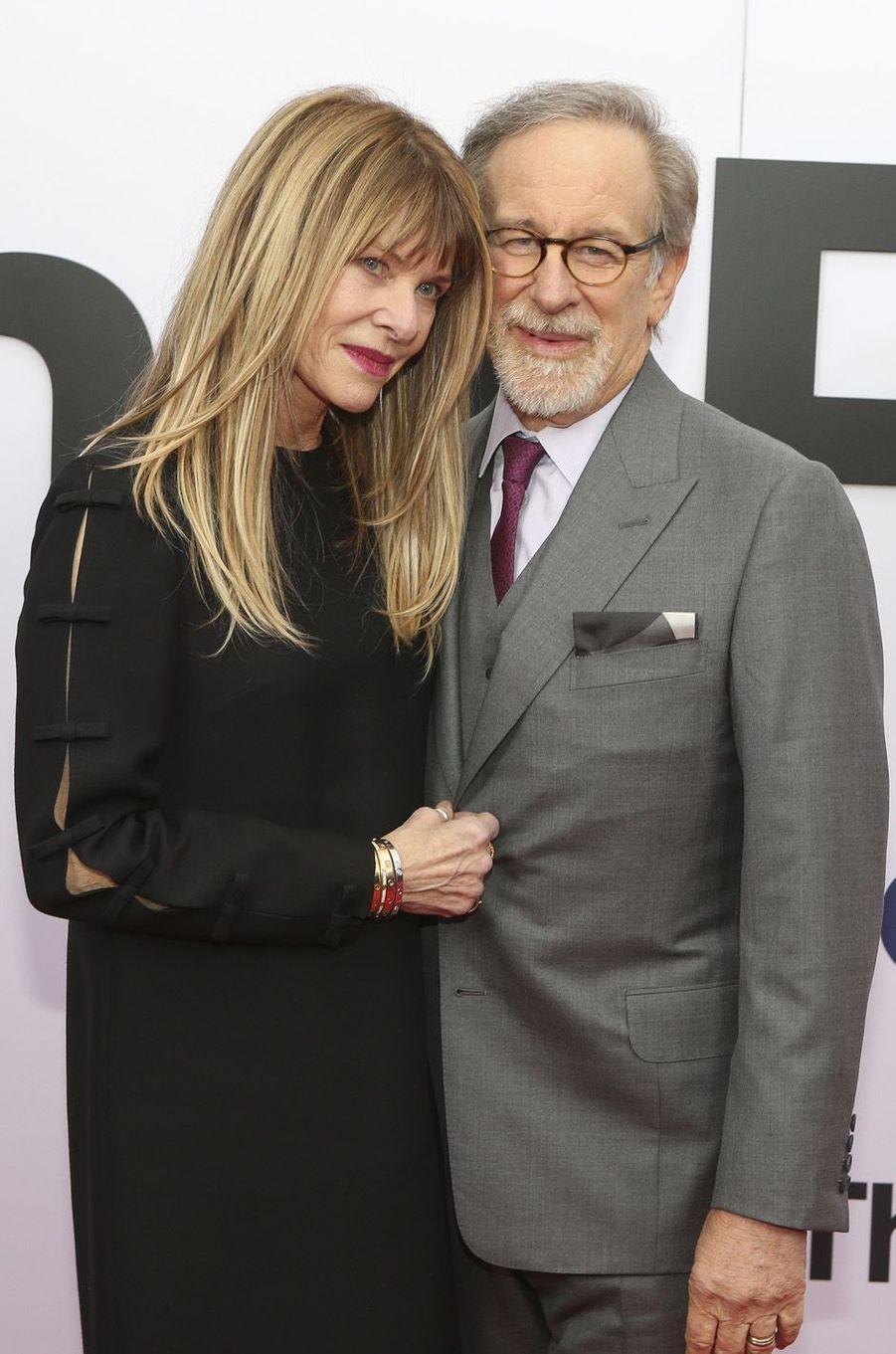 """Kate Capshaw et Steven Spielbergà l'avant-première de """"The Post"""", le 14 décembre 2017 à Washington."""