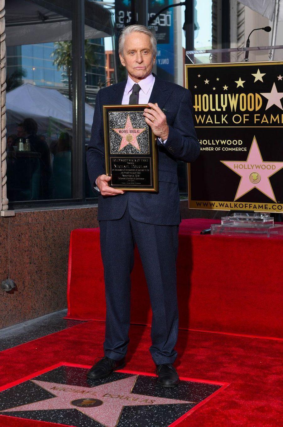 Michael Douglas inaugure son étoile sur Hollywood Boulevard le 6 novembre 2018