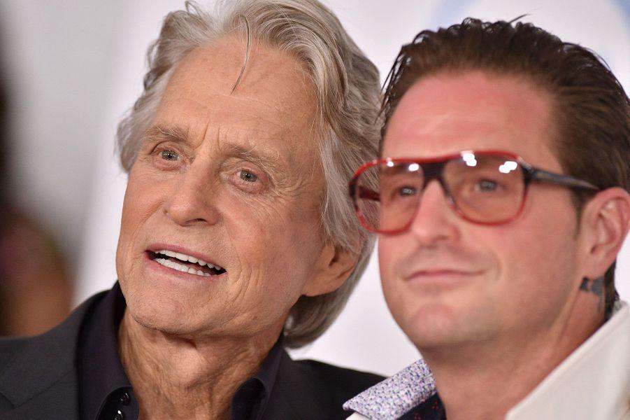 Michael Douglas et son fils Cameron à l'avant-première de«Ant-Man et la Guêpe» lundi