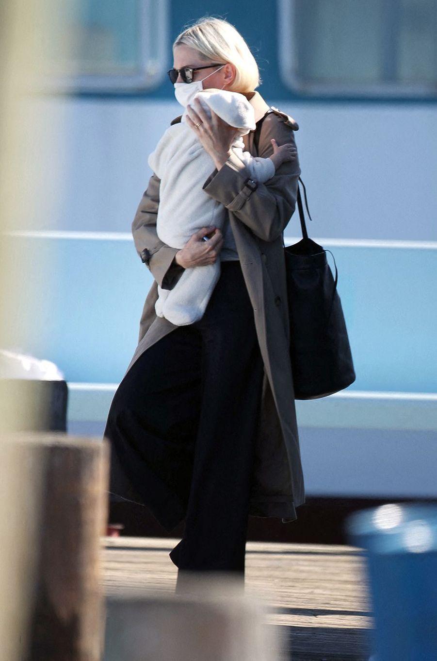 Michelle Williams et son bébé à Bay Shore, New York, le 19 octobre 2020