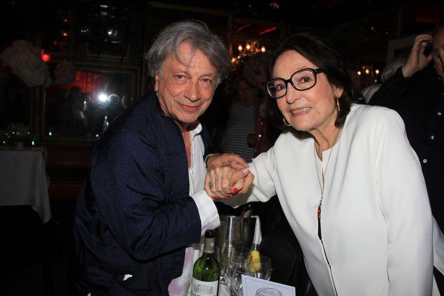 Hervé Vilard et Nana Mouskouri à Paris, le 18 juin 2019
