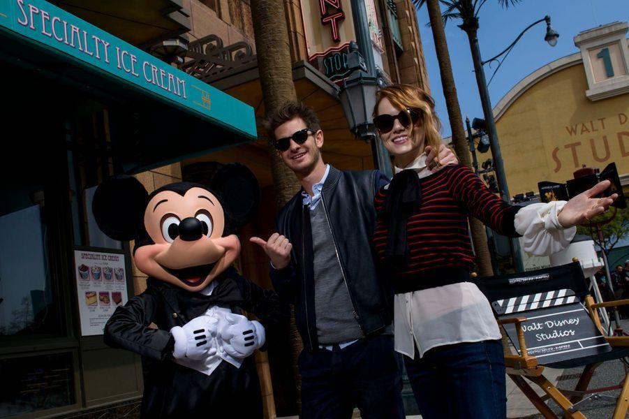 Andrew Garfield, Emma Stoneet Mickey.