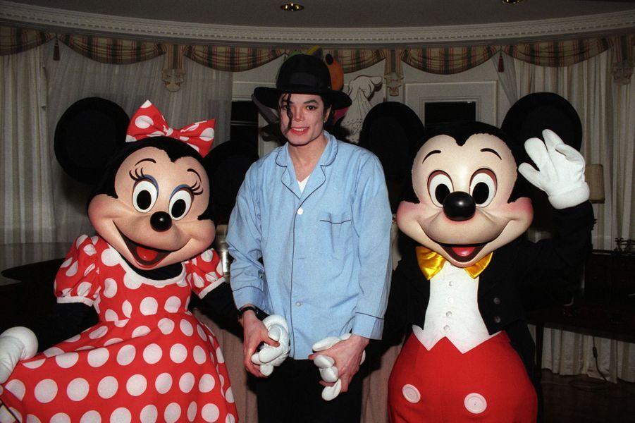Michael Jacksonet Mickey.