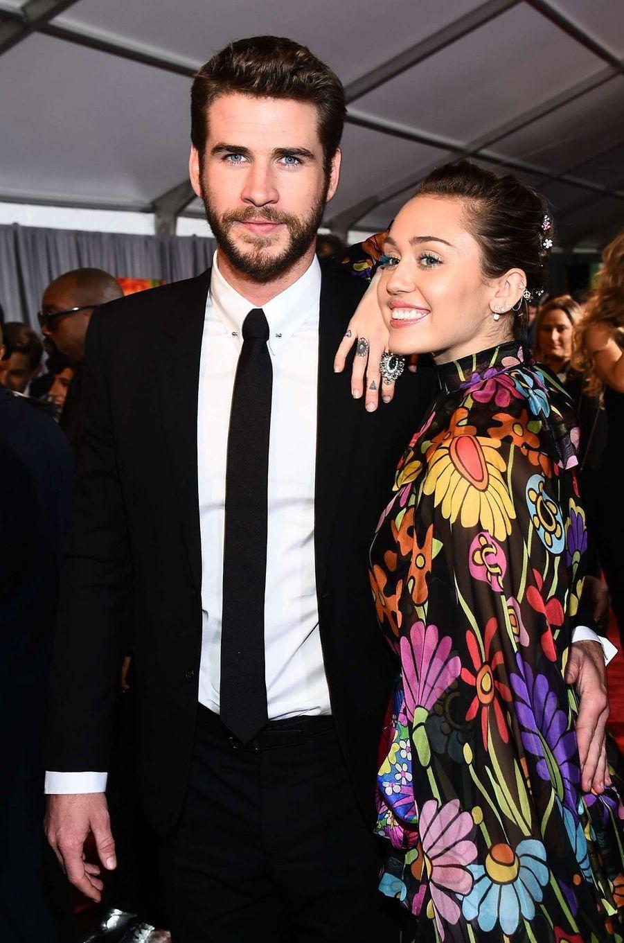 """Miley Cyrus et Liam Hemsworth à la première de """"Thor : Ragnarok"""", à Los Angeles le 10 octobre 2017."""