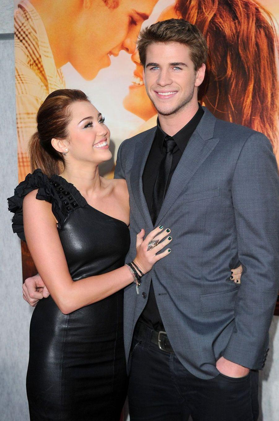 Miley Cyrus et Liam Hemsworth en 2010