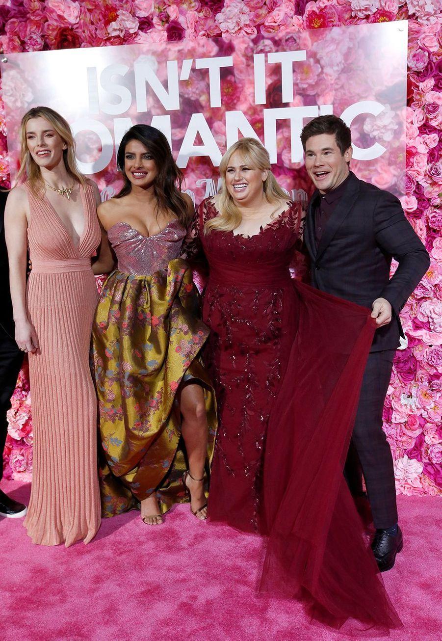 "Betty Gilpin, Priyanka Chopra, Rebel Wilson et Adam Devine à l'avant-première du film ""Isn't It Romantic"" à Los Angeles le 11 février 2019"
