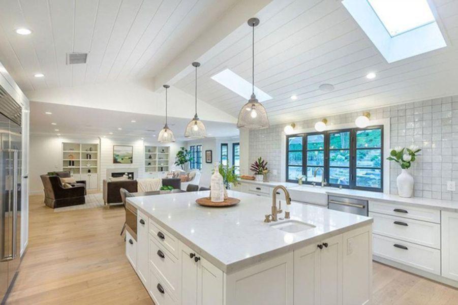 Miley Cyrus a dépensé 4,95 millions de dollars pour acquérir cette villa située à Hidden Hills, à Los Angeles