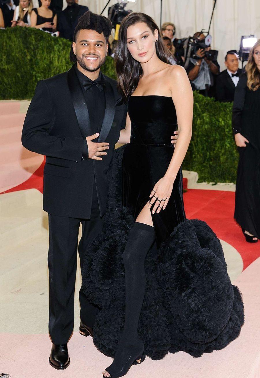 Bella Hadid et The Weeknd ont connu une relation en dents de scies depuis 2015, se séparant de nouveau aux alentours d'août 2019.