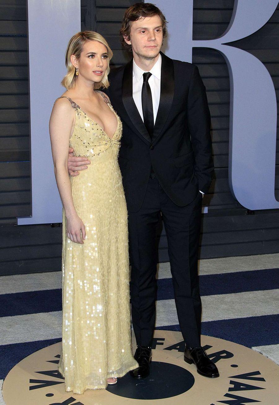 Emma Roberts et Evan Peters ont rompu leurs fiançailles alors qu'ils étaient ensemble depuis 2012.