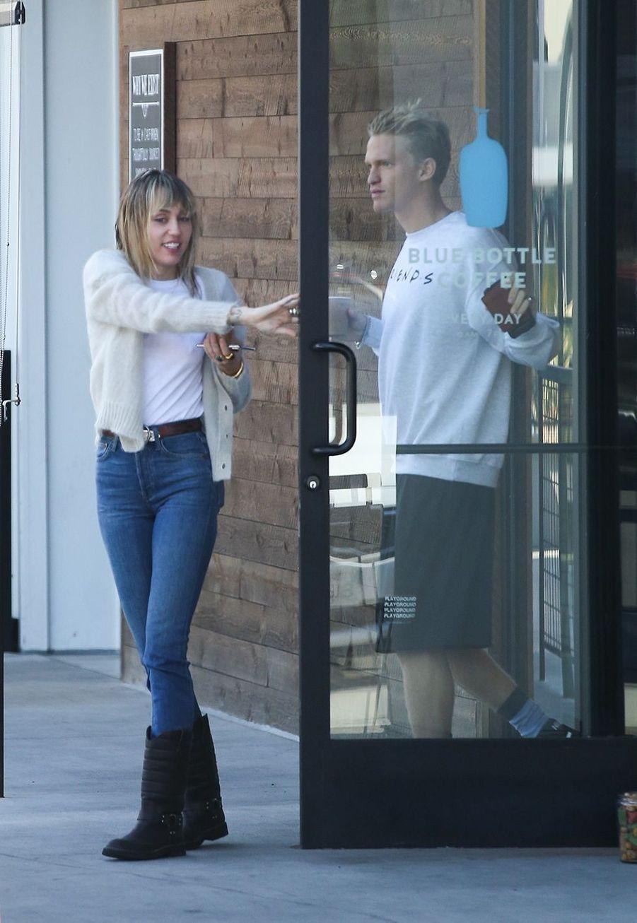 Miley Cyrus et Cody Simpson à Los Angeles le 13 octobre 2019