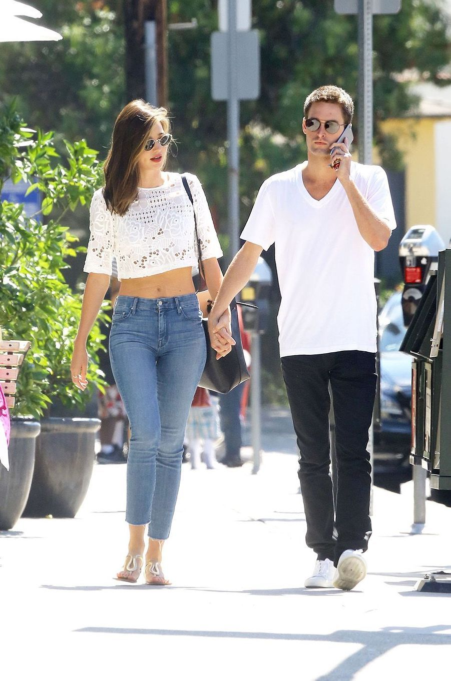 Miranda Kerr et Evan Spiegel dans les rues de Brentwood, septembre 2015.