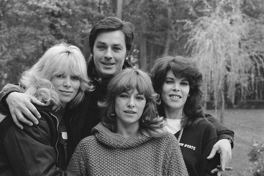 Mireille Darc avec Alain Delon, Nathalie Delon et Dani.
