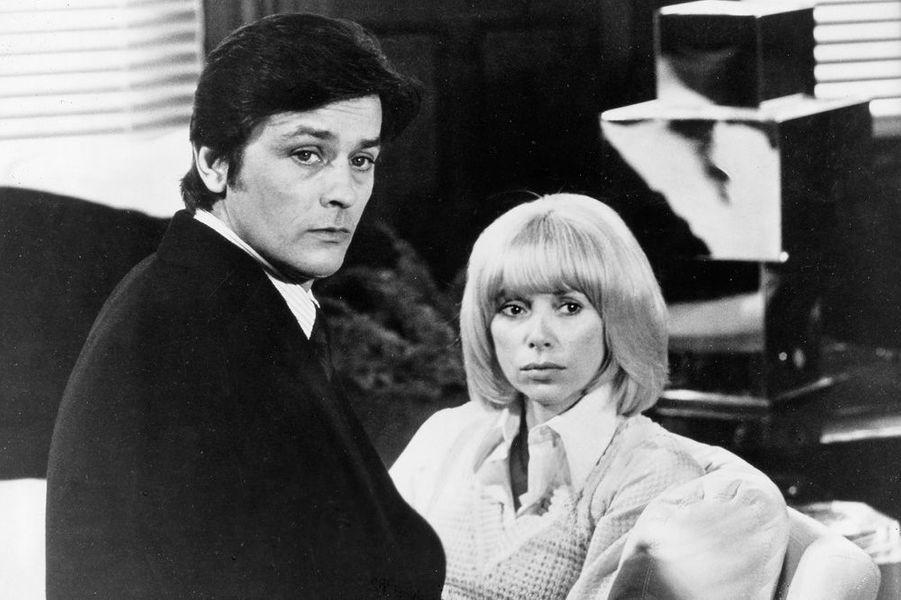 Mireille Darc et Alain Delon en 1974