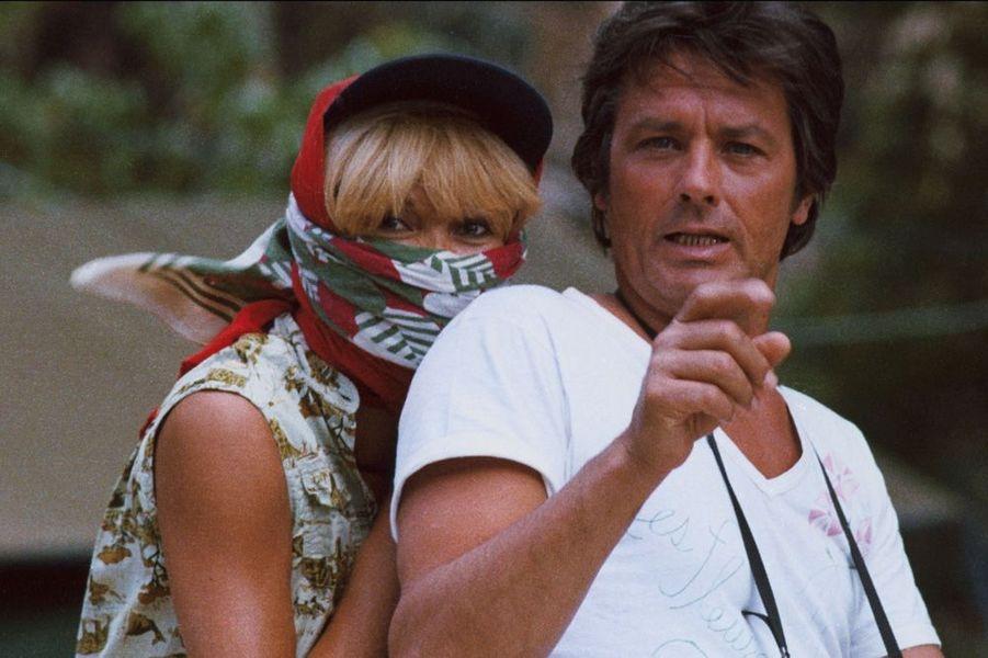 Mireille Darc et Alain Delon en 1984