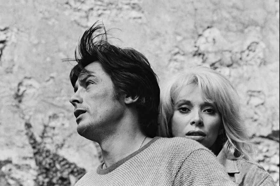 Mireille Darc et Alain Delon en 1969