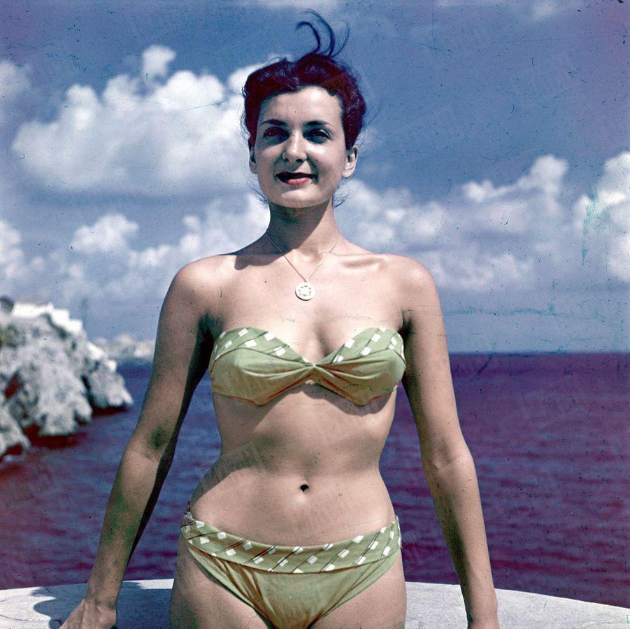 « Juliette Figueras a été, en 1949, Miss Marseille, Miss France et Miss Europe. Depuis huit jours, une nouvelle Miss Europe a été élue, mais pour les Marseillais, Juliette reste la plus belle. » - Paris Match n°79, 23 septembre 1950