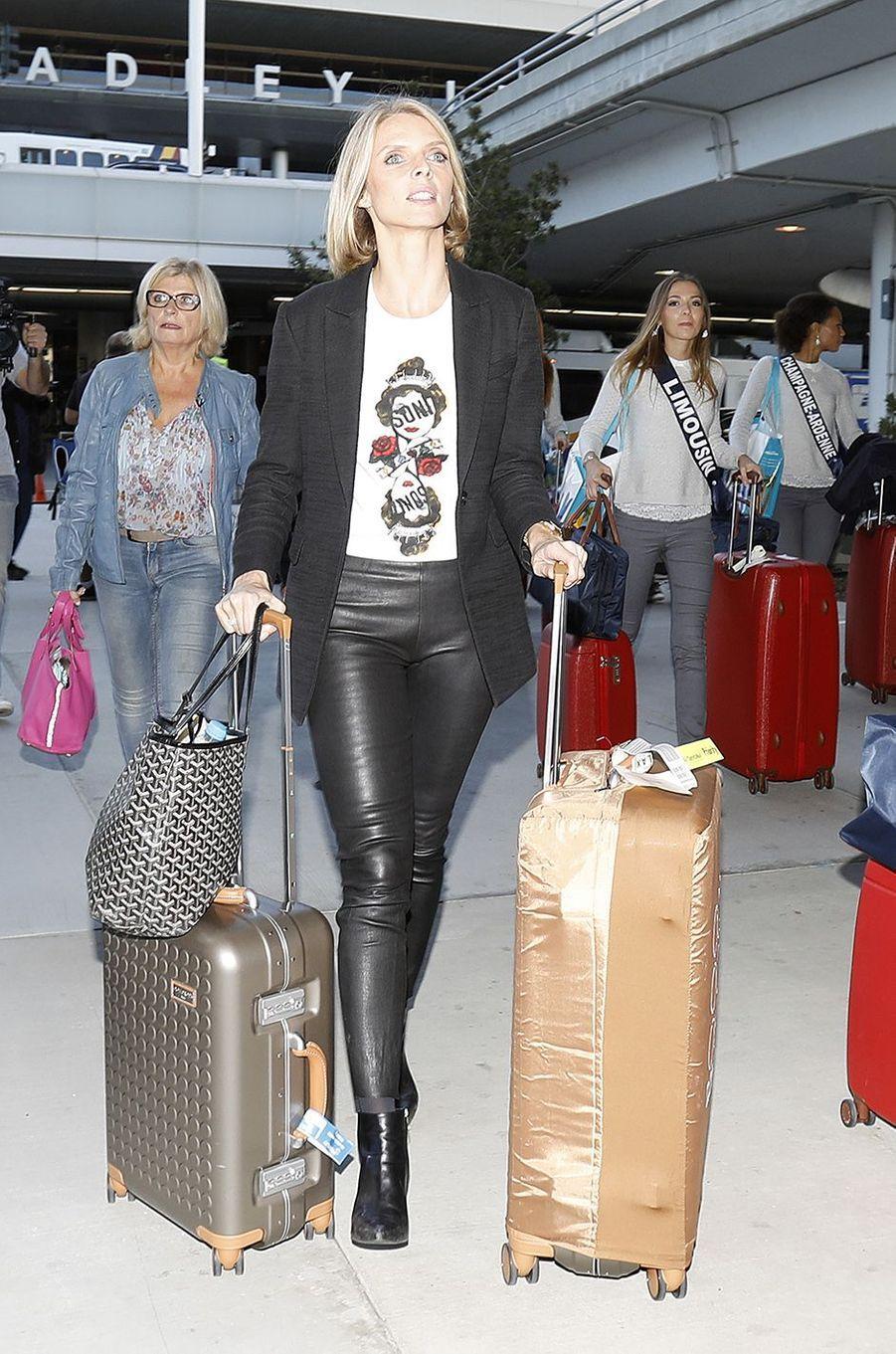 Les Miss et Sylvie Tellier arrivent aux Etats-Unis, le 19 novembre 2017.