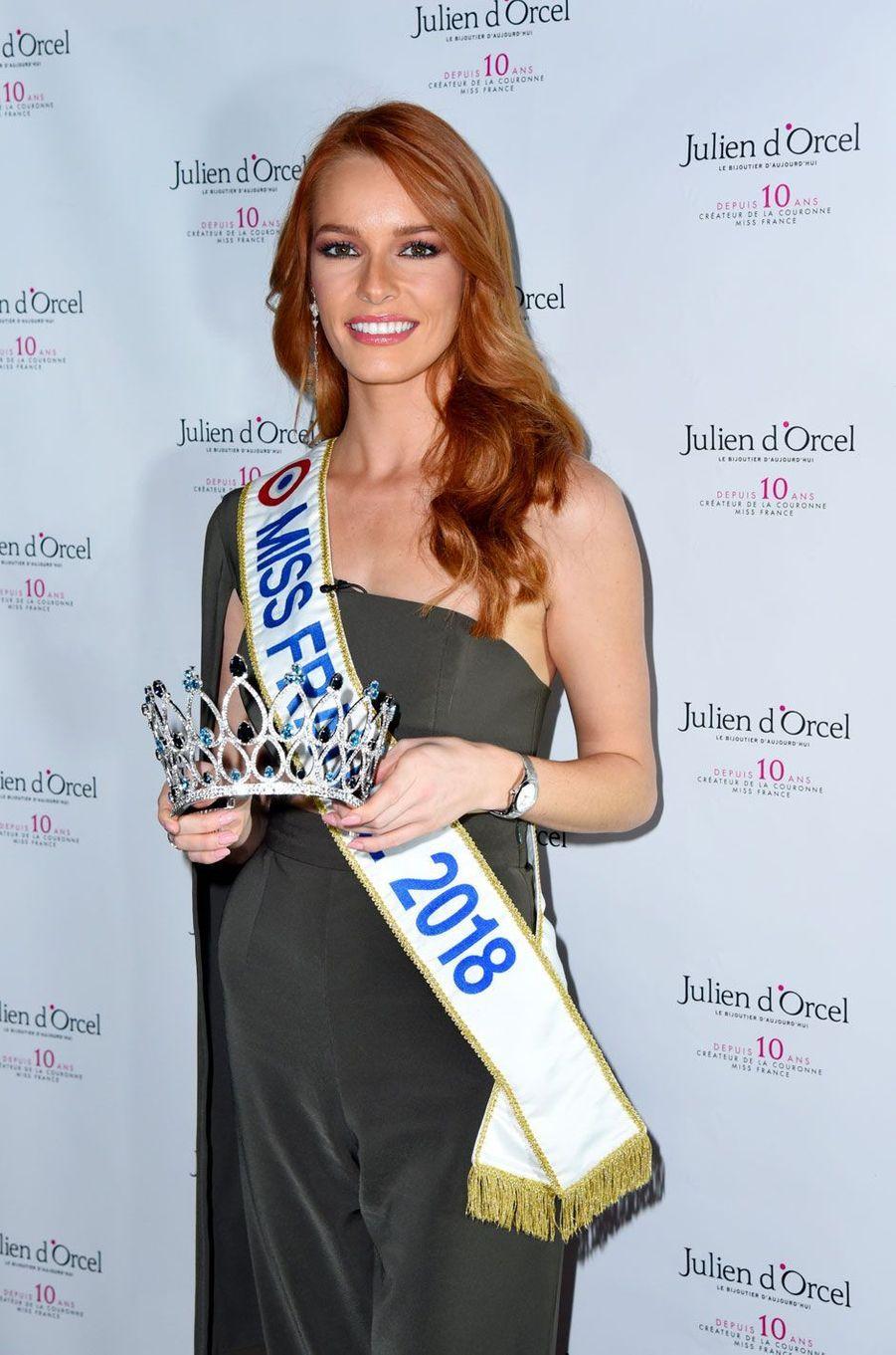 Miss France 2018, Maëva Coucke, dévoile la couronne de Miss France 2019