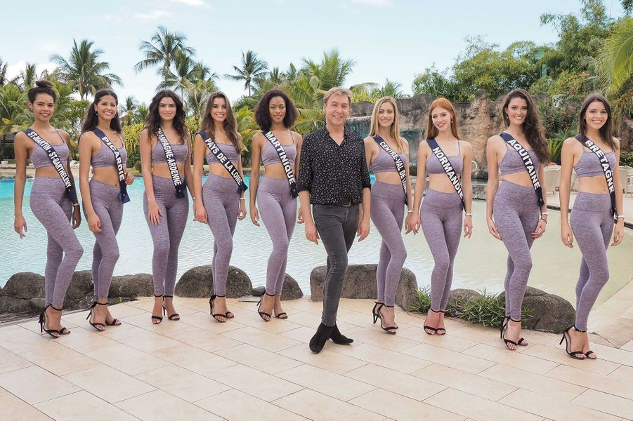Les Miss (Champagne-Ardenne, Pays de la Loire, Aquitaine, Centre-Val de Loire, Bretagne, Picardie, St-Martin-St-Barthélemy, Normandie et Martinique) prennent un cours de catwalk à Tahiti le 19 novembre 2019