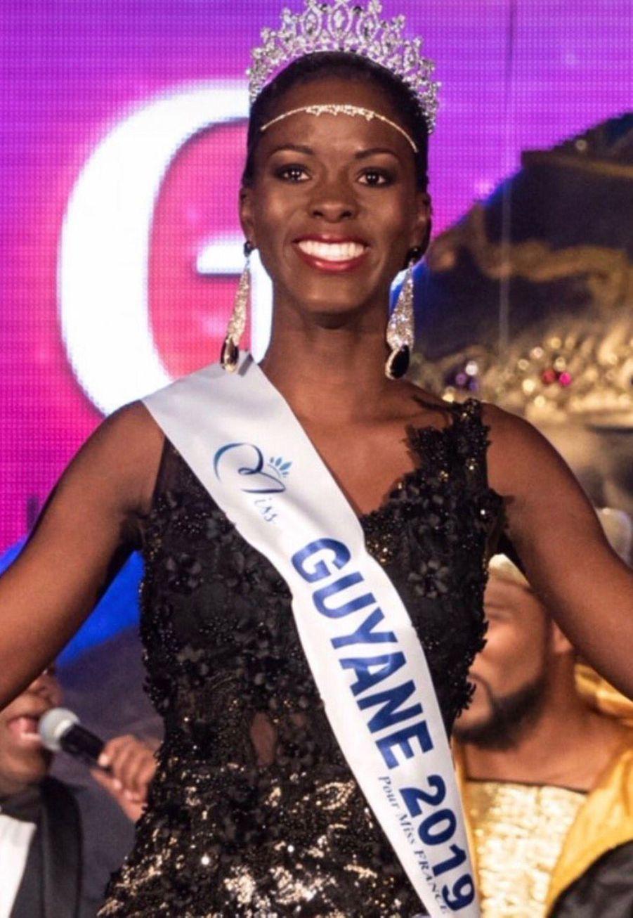 Dariana Abé, Miss Guyane, 21 ans, 1m73, étudiante en formation esthétique, élue le 12 octobre 2019 à Cayenne