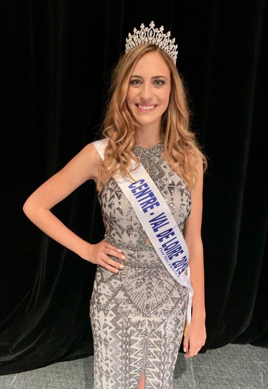 Jade Simon-Abadie, Miss Centre-Val de Loire, 22 ans, 1m73, étudiante en master de communication,élue le 5 octobre 2019 à Déols