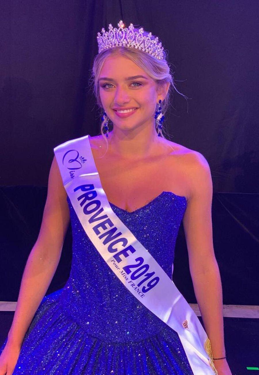 Lou Ruat, Miss Provence, 18 ans, 1m71, étudiante en licence de gestion, élue le 26 juillet 2019 à Cogolin