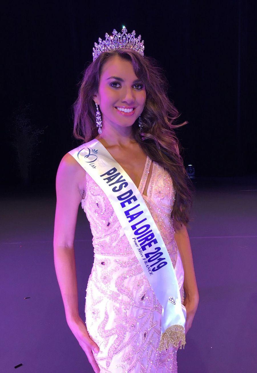 Yvana Cartaud, Miss Pays de la Loire, 18 ans, 1m73, en terminale L, élue le 28 septembre 2019 à Château-Gontier
