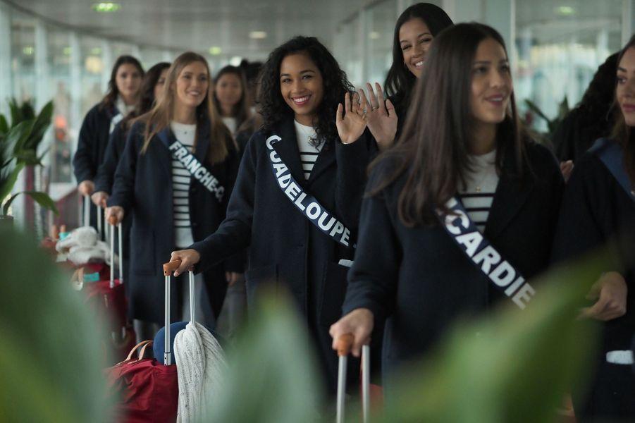 Bonnets en laine, champion de surf et paillettes : les Miss régionales se sont envolées ce dimanche, destination Tahiti.