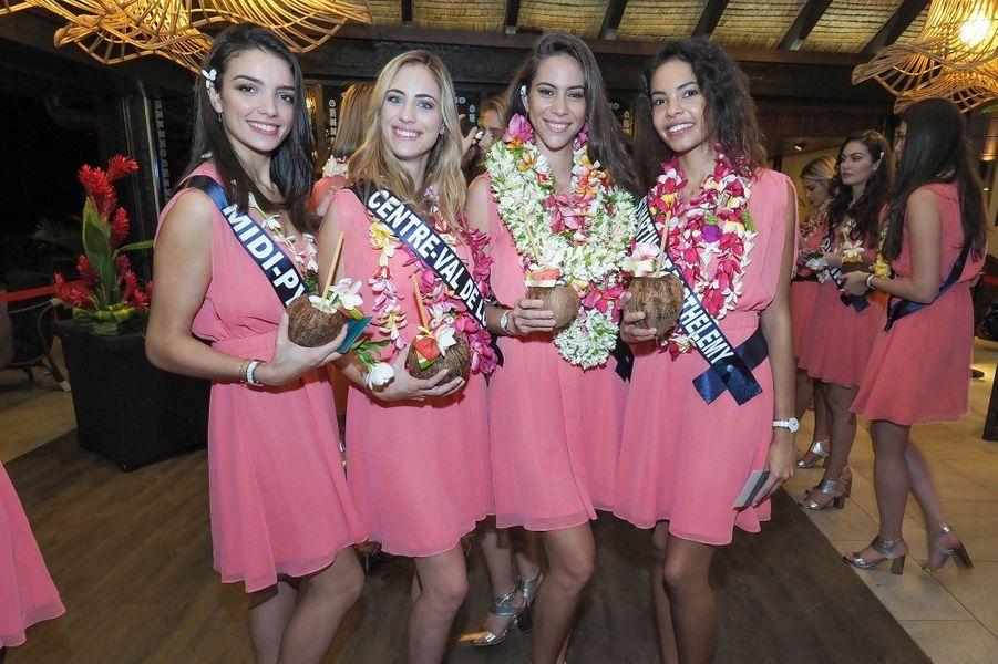 Il est 23h en Polynésie, soit 10 heures du matin en France, les filles sont fatiguées mais avant de gagner leur hôtel, elles ont été accueillies par des chants et des danses dès leur arrivée.