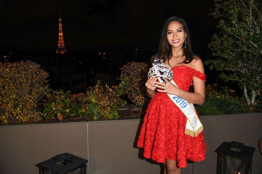 Vaimalama Chaves révèle la couronne de Miss France 2020 à Paris le 7 novembre 2019