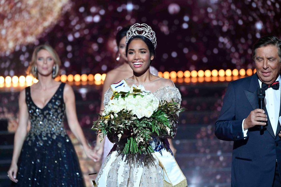 Clémence Botino est Miss France 2020.