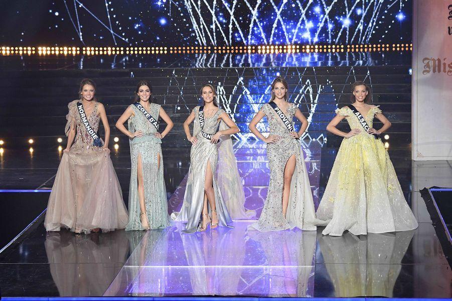 Amandine Petit, Miss Normandie (tout à gauche), a été couronnée Miss France 2021