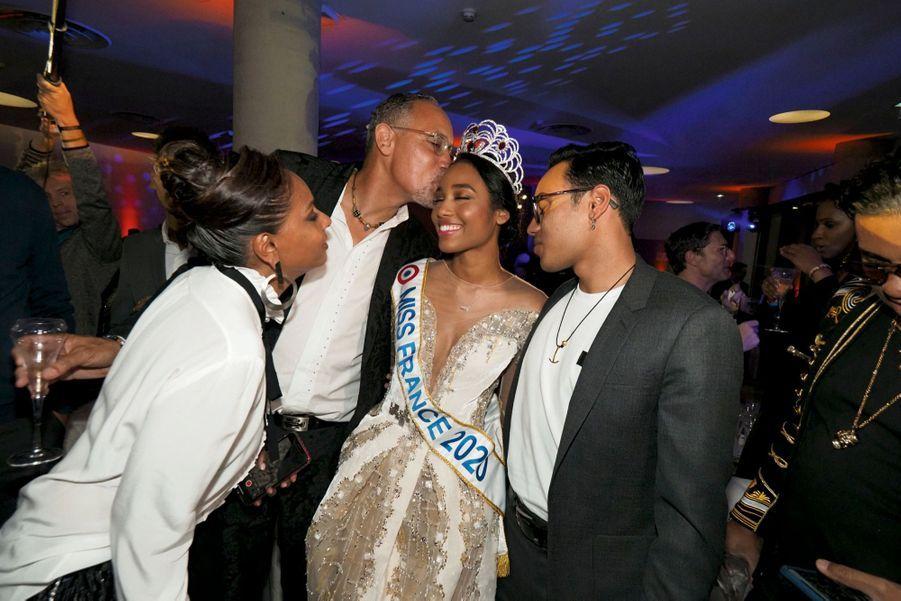 Félicitée par ses parents Katia et Olivier, venus spécialement du Gosier, en Guadeloupe.