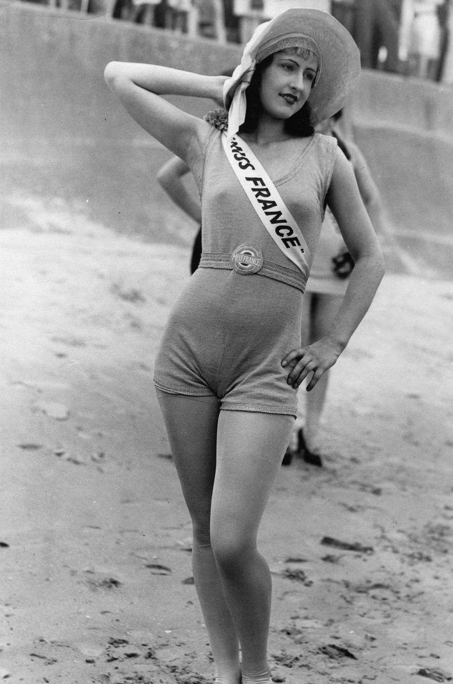 Miss France 1928, Raymonde Allain