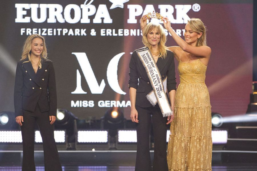 Nadine Berneis, Miss Germany 2019 remet la couronne à Miss Germnay 2020, Leonie Charlotte von Hase.