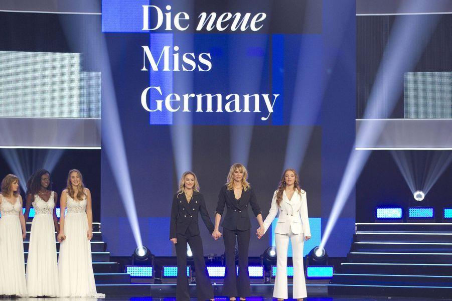 Les trois finalistes au concours de Miss Germany :Miss Schleswig-Holstein,Miss Bayern et MissHamburg.