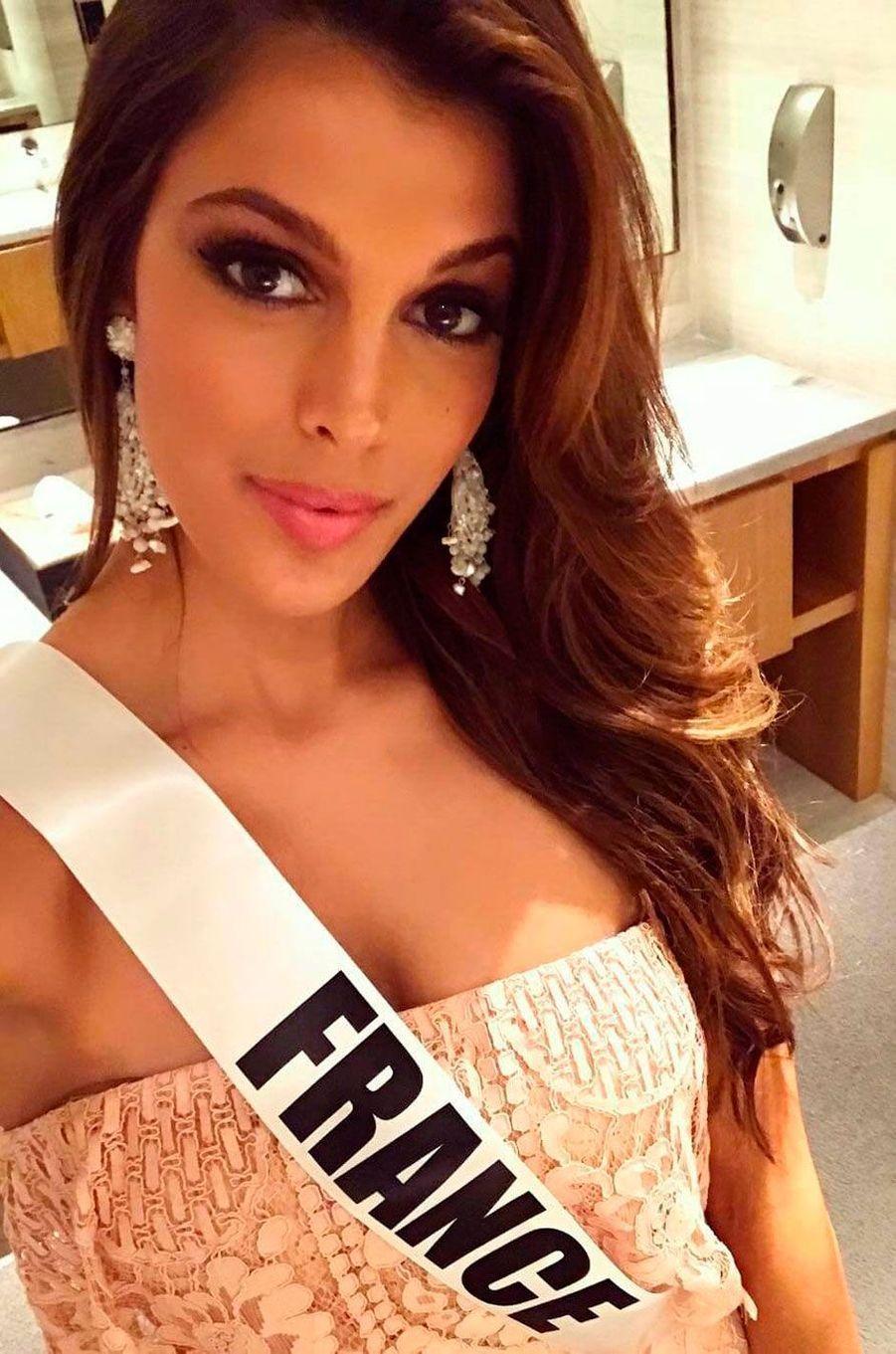 Iris Mitteanere, Miss France 2016 participe au concours Miss Univers 2016