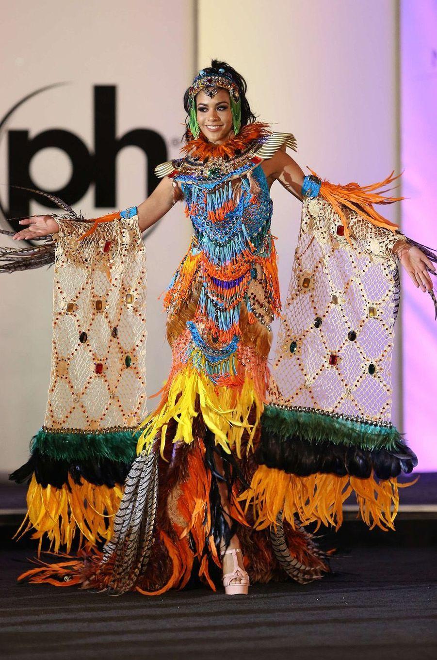 Lauriela Martins, Miss Angola,en costume national pour le concours Miss Univers, le 18 novembre 2017 à Las Vegas.