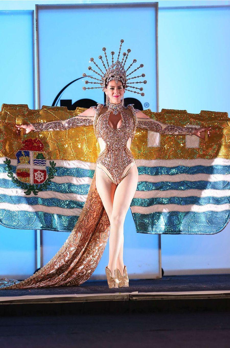 Alina Mansur, Miss Aruba,en costume national pour le concours Miss Univers, le 18 novembre 2017 à Las Vegas.