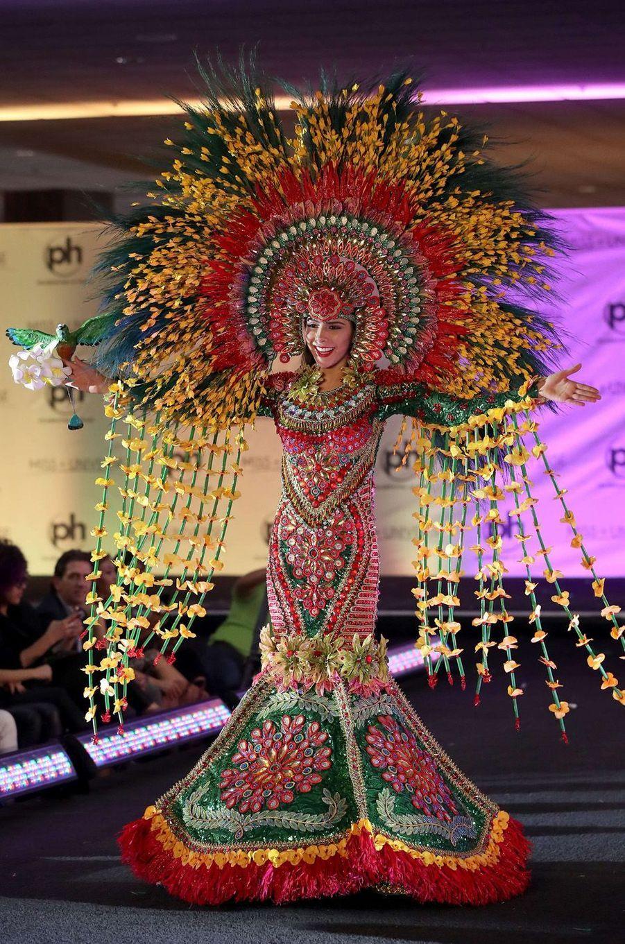 Berenice Quezada, Miss Nicaragua,en costume national pour le concours Miss Univers, le 18 novembre 2017 à Las Vegas.