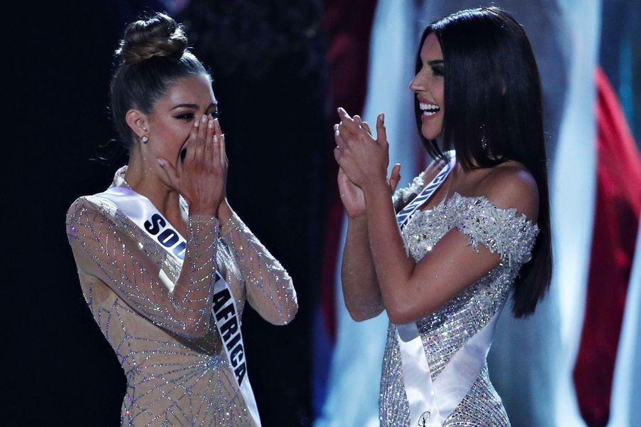 Demi-Leigh Nel-Peters, Miss Afrique du Sud, l'a emporté face à Laura Gonzales, Miss Colombie