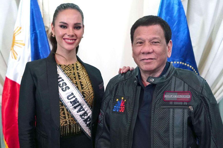Catriona Gray à Manille, avec Rodrigo Duterte, jeudi 20 décembre