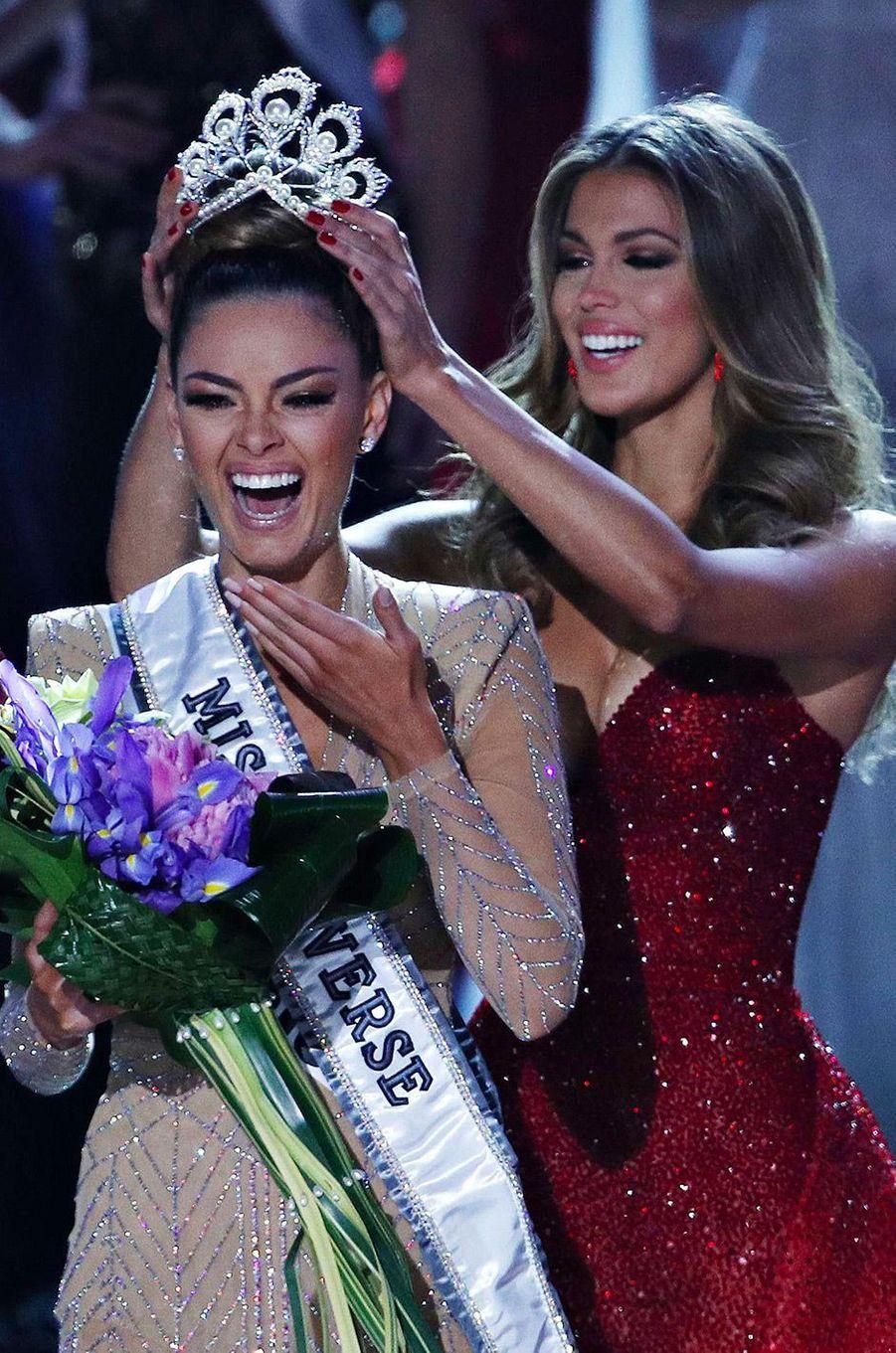 Demi-Leigh Nel-Peters, Miss Afrique du Sud, succède à Iris Mittenaere au poste de Miss Univers