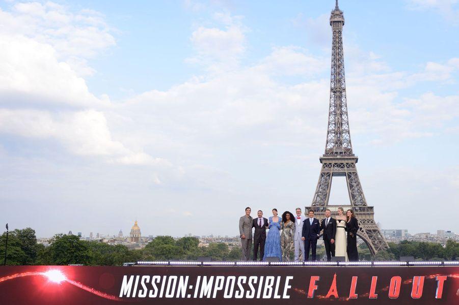 """L'équipe du film""""Mission Impossible- Fallout"""" à l'avant-première parisienne"""