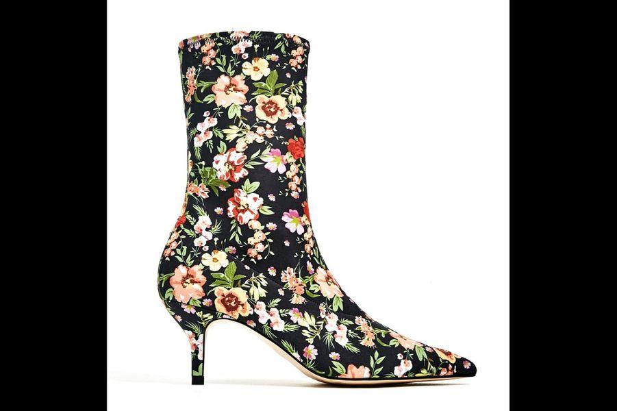 Fleurs de bitume : Bottines en tissu, Zara, 59,95 €.