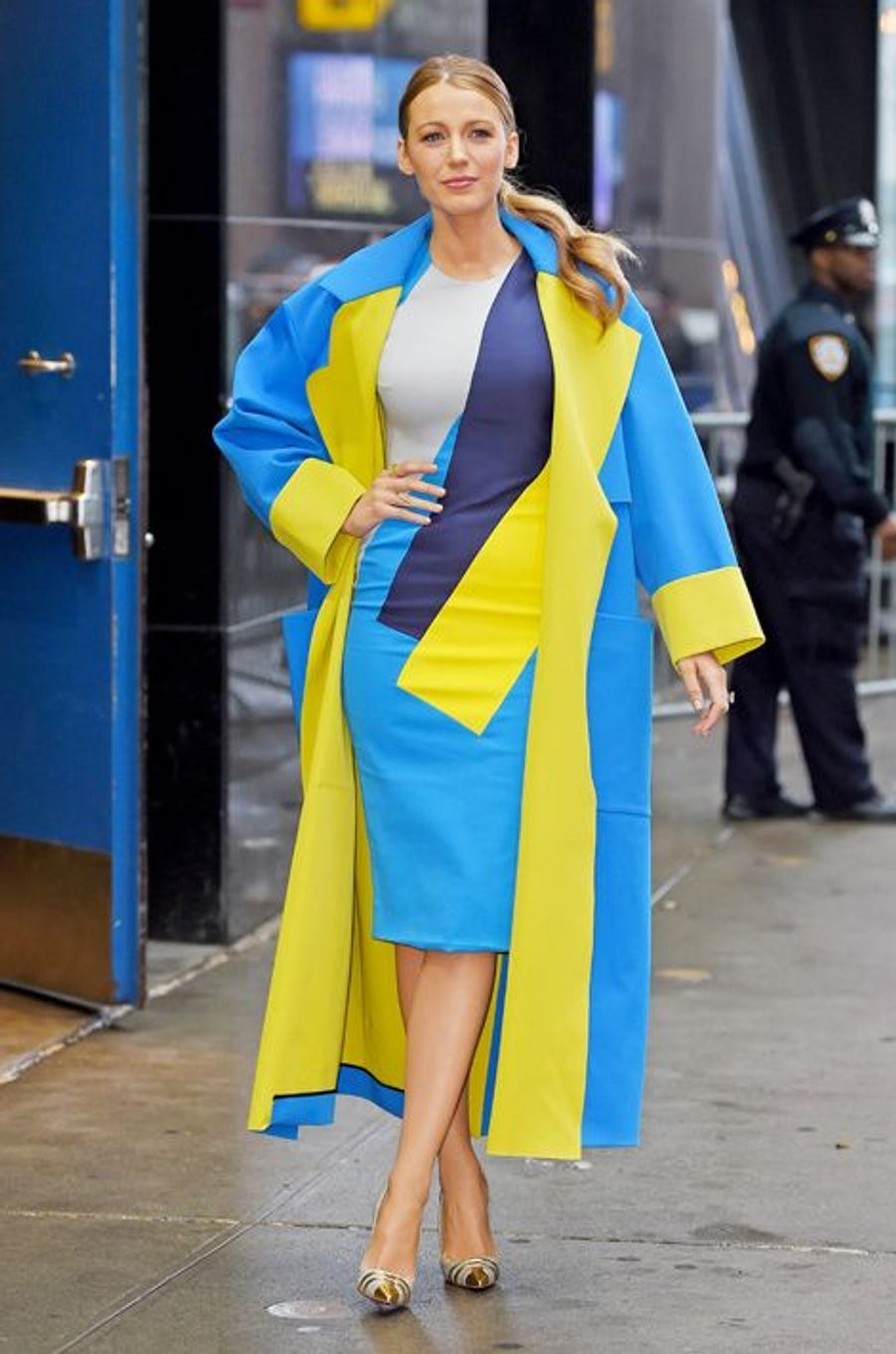 "Blake Lively en robe Roksanda quitte l'émission ""Good Morning America"" le 21 avril"