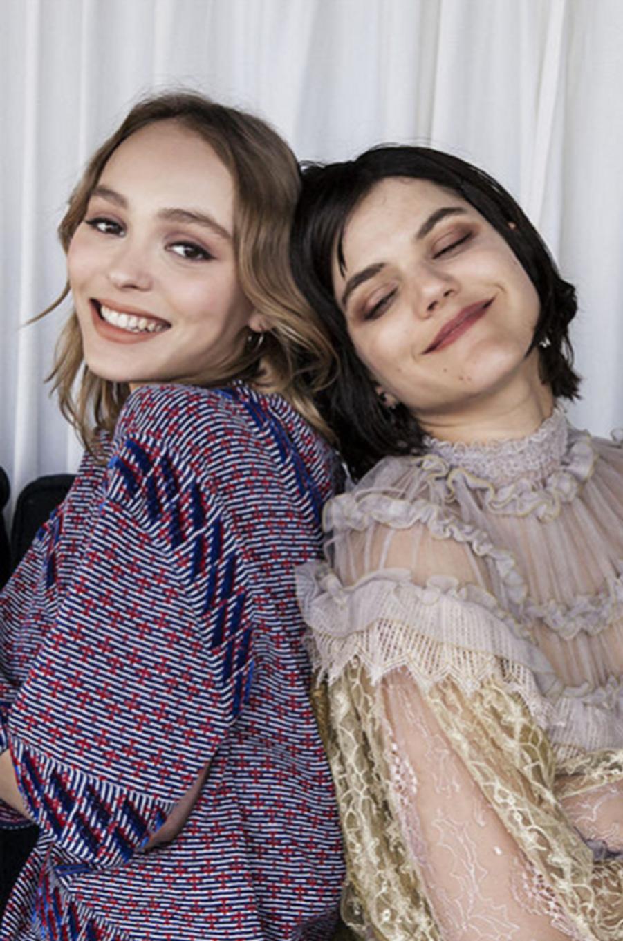 Lily-Rose et Soko posent pour Paris Match lors du festival de Cannes, mai 2016