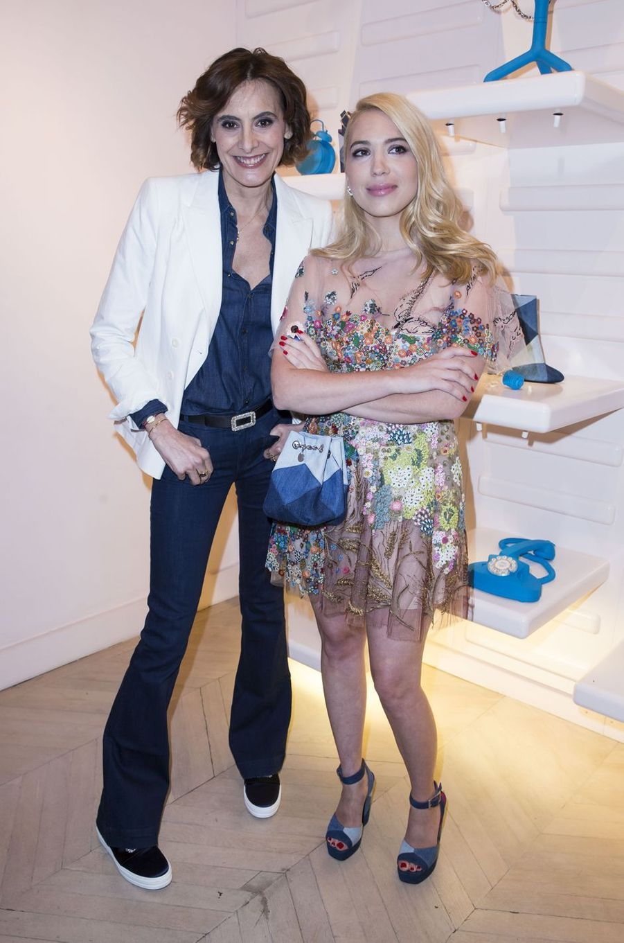 Inès de la Fressange et Camille Seydoux à Paris le 7 mars 2016