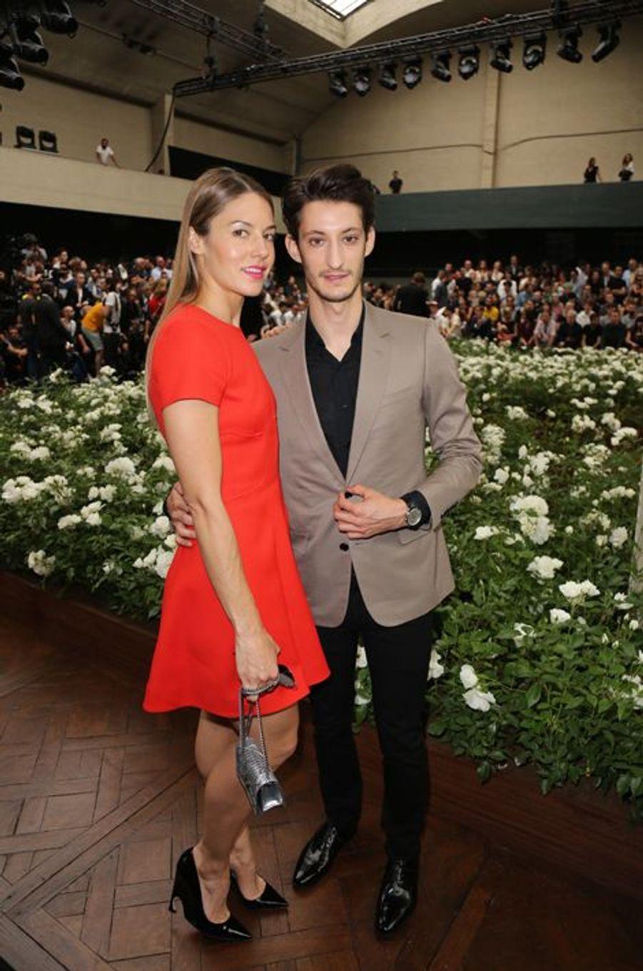 Pierre Niney et sa compagne Natasha Andrews