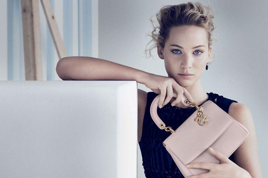 Jennifer Lawrence, égérie des sacs Dior depuis 2013